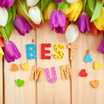 Best Mum written in multicolored letters