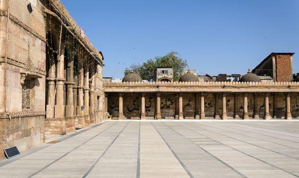 Arcade of Jama masjid mosque in Ahmedabad