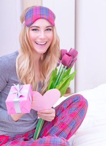 Receive gifts on Valentine's day
