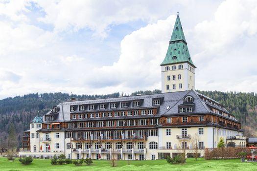 Summit G8 will be held in summer 2015 at Schloss Elmau