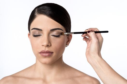 Lighter touch up my eye shadow