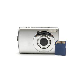 compact camera amd sd card