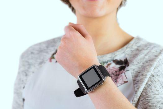 Woman wearing her smartwatch