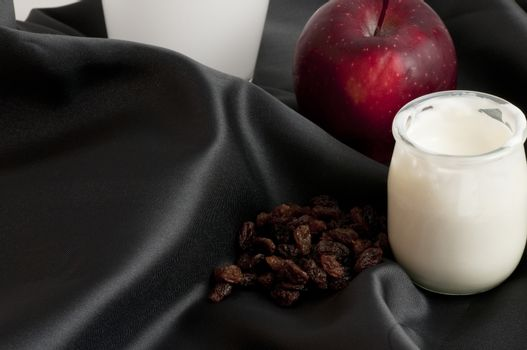 white yogurtt with blueberries and apple