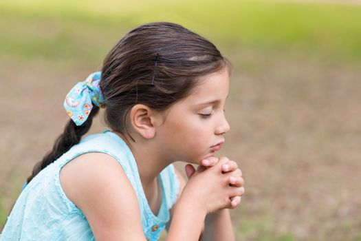 Little girl saying his prayers