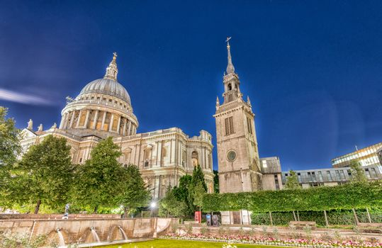 St Paul Cathedral at night in London