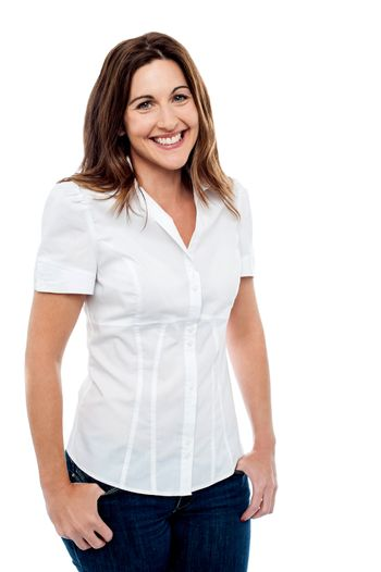 Woman in casual wear posing with hands in her pocket