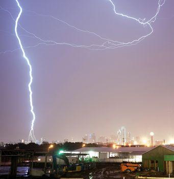 Thuderstorm Produces Lightning Bolt Strikes Calatrava Bridge Dal