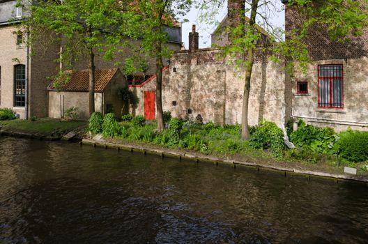 Canal in Bruges, begijnhof