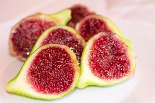 Figs cut into halves