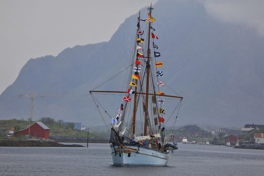 Anna Rogde dra sydover fra Brønnøysund etter besøket