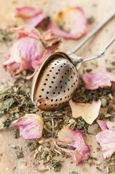 Tea with rose petals