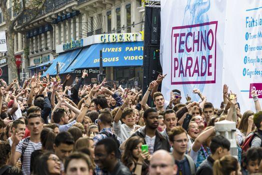 FRANCE - MUSIC - TECHNO - PARADE