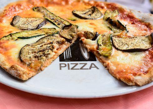 Pizza Vegetarian with Neapolitan Buffalo