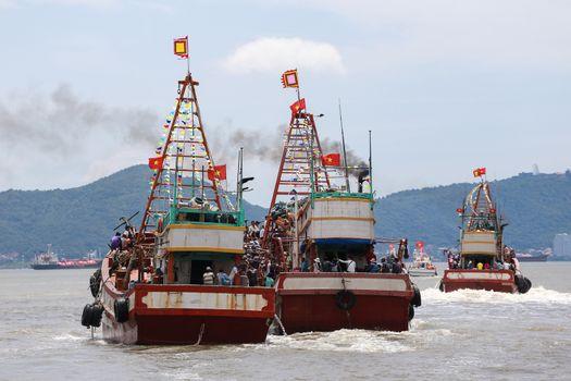 VIETNAM - CAN GIO - WHALE WORSHIP FESTIVAL - FISHERMEN - RITUAL
