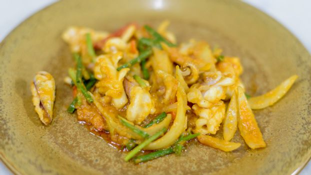 Fried squid with salted egg