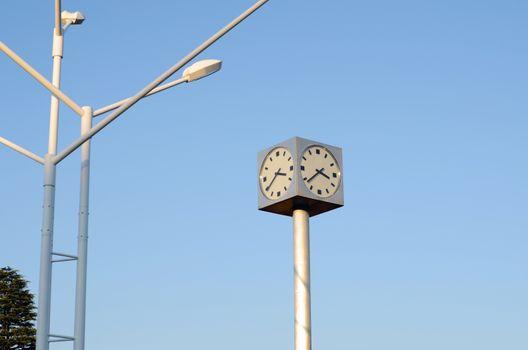 Public minimal clock