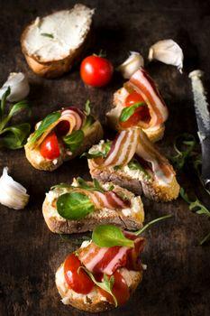Bruschetta with bacon