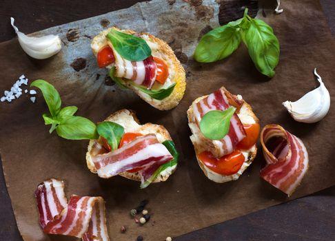 Bacon bruschetta