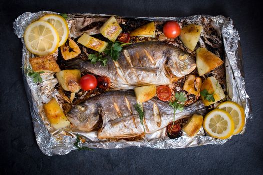 Gilthead fish and ingredients