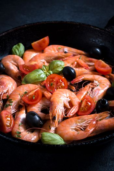 Boiled shrimps in pan