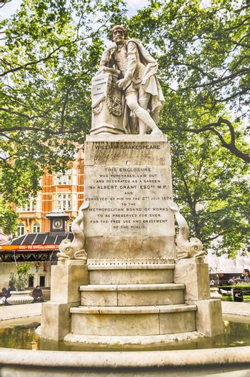 Statue of William Shakespeare in Leicester Square, London