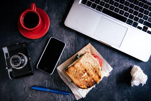 Sandwich in office