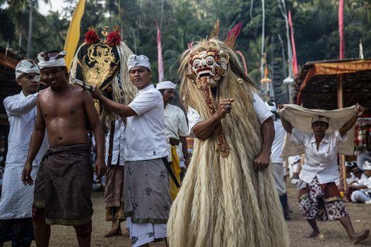 BALI - NGUSABA PUSEH - INDONESIA - FESTIVAL