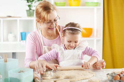 Little girl baker