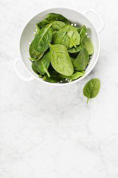 raw fresh spinach