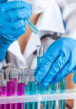 laboratorian reagent drips
