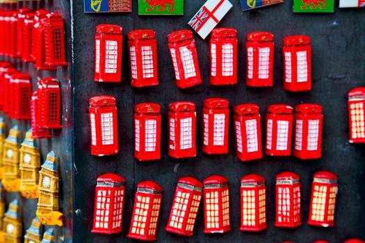 souvenir    in   london obsolete  box classic