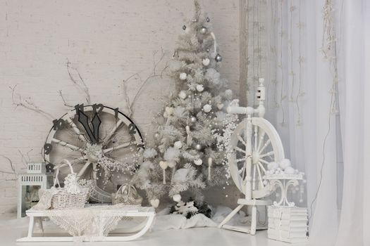 The photo shows a Christmas tree with clock