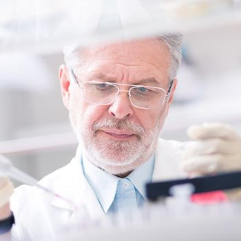 Life scientist researching in the laboratory.