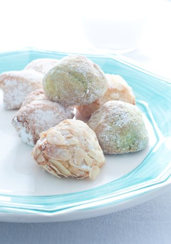 Sicilian biscuits made with almond paste