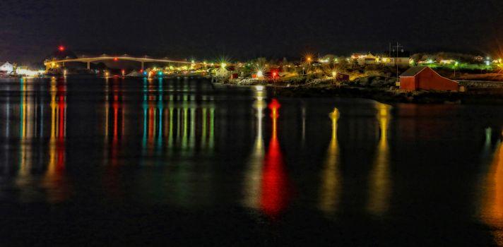Lys fra skipsleia gjennom Brønnøysundet
