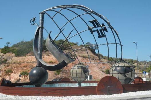 Albufeira roundabout art