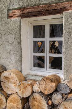 with window woodpile