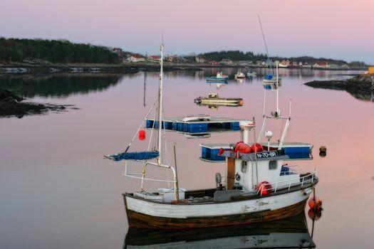 Blekkstilla i fiskerihavna