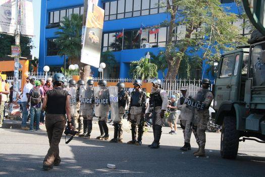 HAITI - PORT-AU-PRINCE - DEMO - PRESIDENT