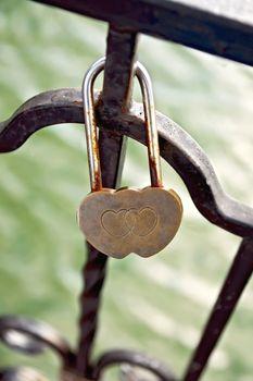 Castle in heart-shaped bronze