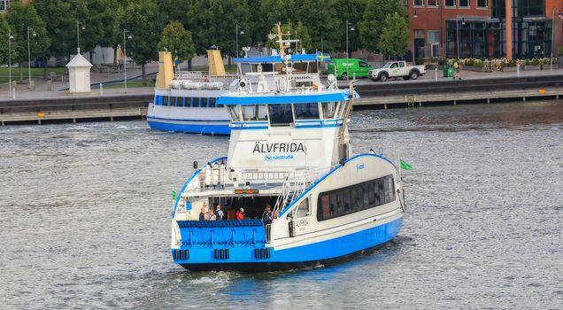 Ferger som krysser gøteborg / Gothenburg havn