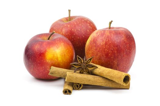 apples, cinnamon sticks and anise