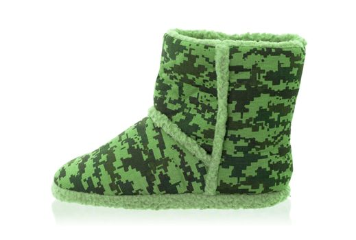 Warm slipper with camouflage print