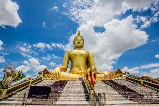 Big Buddha, Wat Muang Golden attractions.