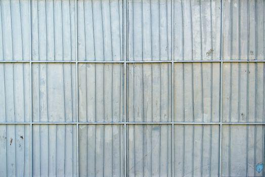 Aluminum metal platted garage wall