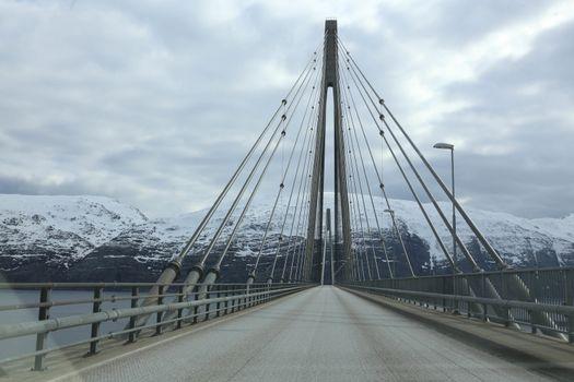 På tur langs RV 17- Helgelandsbrua