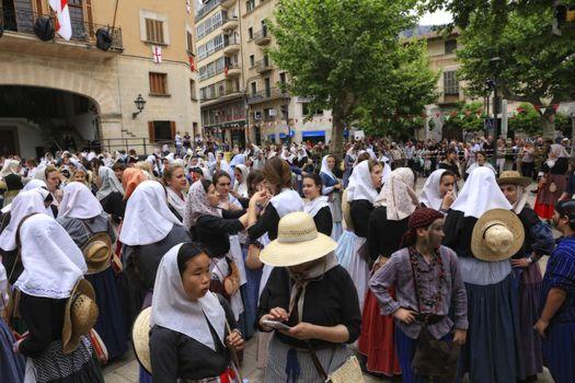 Frigjøringsfest fra Maurene som ble kastet ut av  Soller Mallorca