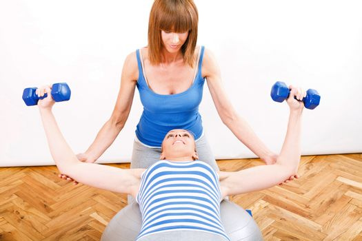 Exercising With a Personal Trainer
