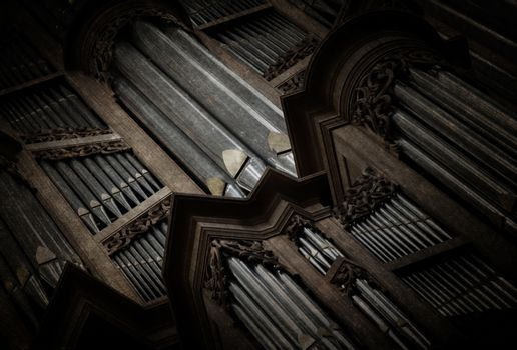 Creepy image of an old pipe organ
